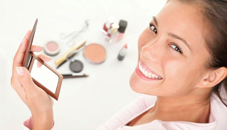 Auch sportliche Frauen können Make-up tragen