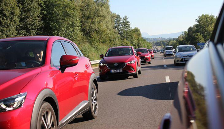 Autokorso Mazda-Style: Nicht nur etwas für Weltmeisterschaften