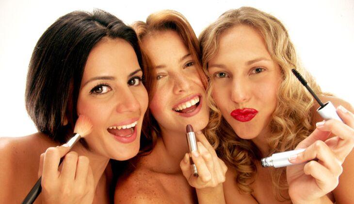 Beauty-Sünde: Schminkutensilien mit Freundin teilen
