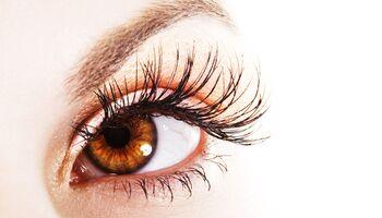 Beauty-Tricks verhelfen zu vollen, langen Wimpern