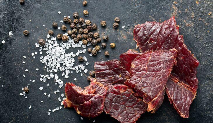 Beef Jerky ist nicht nur kalorienarm, sondern auch proteinreich