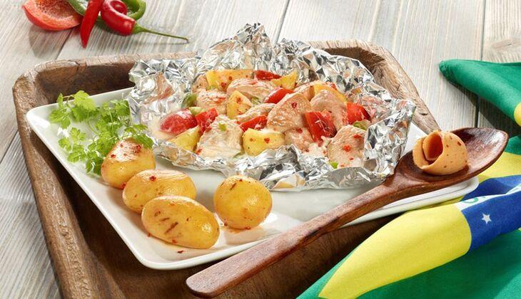 Brasilianische Puten-Ananas-Päckchen vom Grill