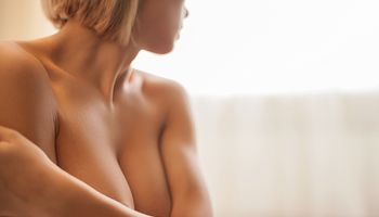 Brustverkleinerung und Bruststraffung