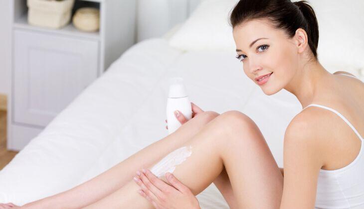 Cremes und Lotions versorgen trockene Haut mit Feuchtigkeit