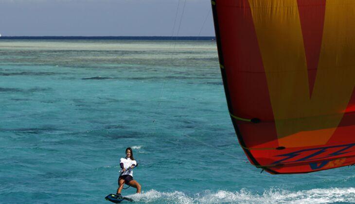 Europameisterin im Kitesurfen Sabrina Lutz in Action