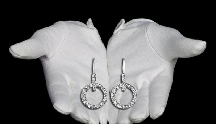 Feminine Ohrhänger von Dyrberg/Kern, zirka 60 Euro