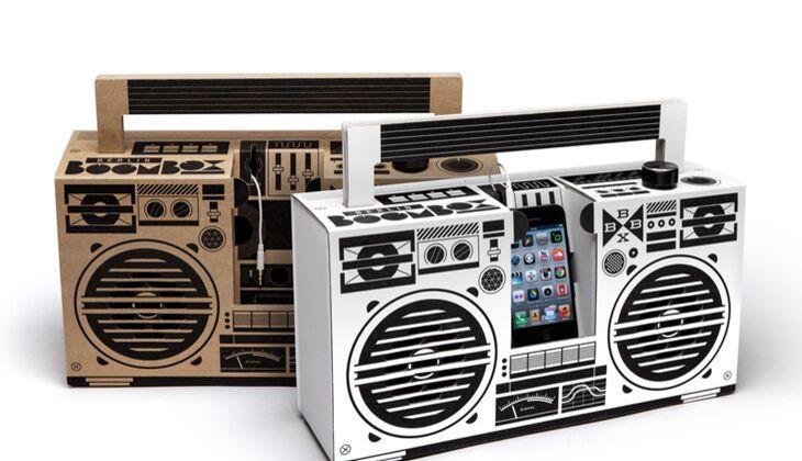 Ghettoblaster Boombox aus Pappe zum Valentinstag