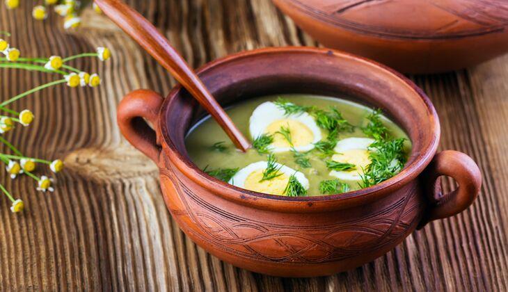 Gründonnerstags-Kräutersuppe mit Ei
