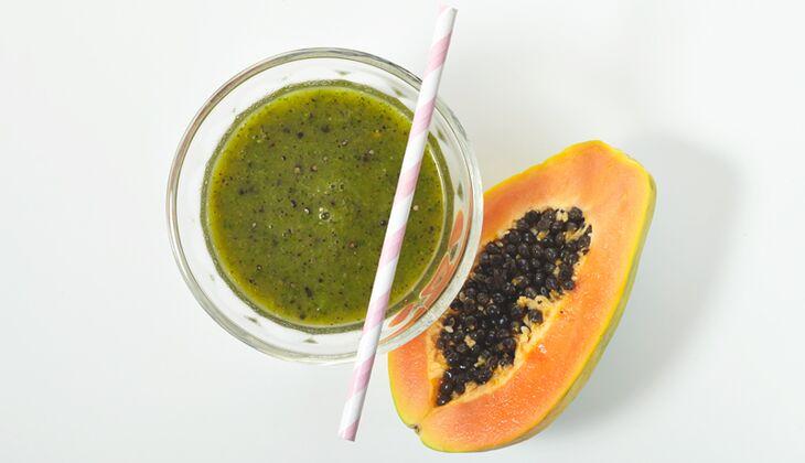 Grüner Papaya-Spinat-Smoothie