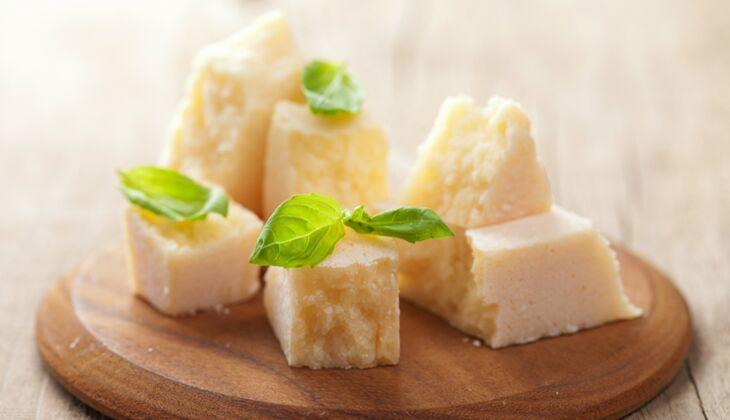 Käse im Kalorienvergleich: Parmesan