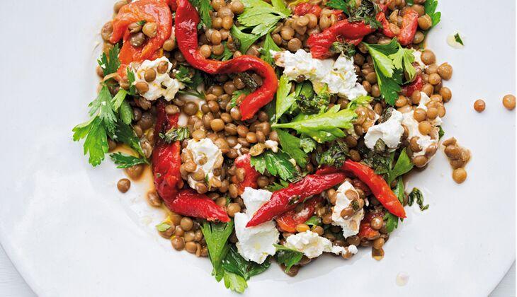Linsen-Paprika-Salat mit Ziegenkäse