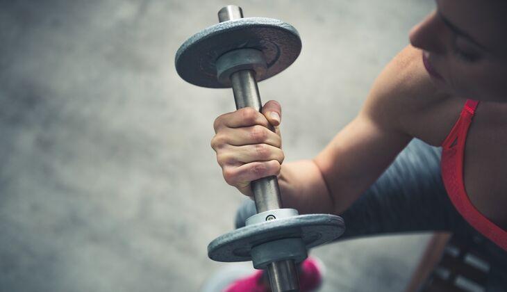 Mit den folgenden 3 Übungen bekommen auch Sie solche starken Arme
