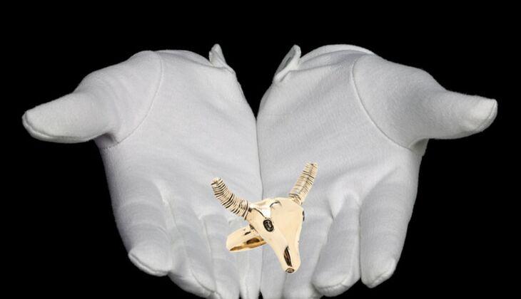 Ring mit Wild West Attitüde von Aurélie Bidermann, zirka 90 Euro, über mytheresa