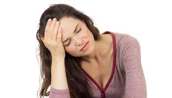Schwindel und Kopfschmerzen können erste Anzeichen für Bluthochdruck sein