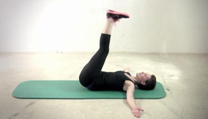 Sexy-Bauch-Workout: Beinkreisen