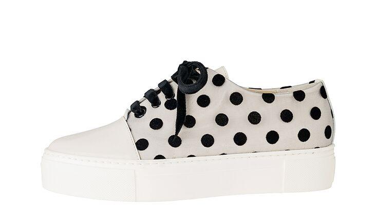 Sneakers von AGL, um 230 Euro