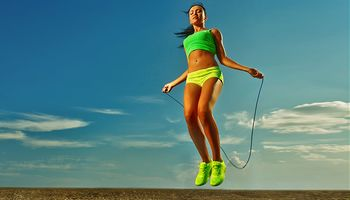 Springen stärkt die Knochen