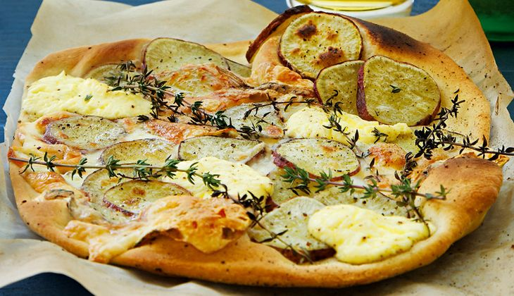Süßkartoffel-Taleggio-Pizza