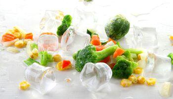 Tiefgefrorenes und frisches Gemüse haben einen ähnlichen Vitamingehalt