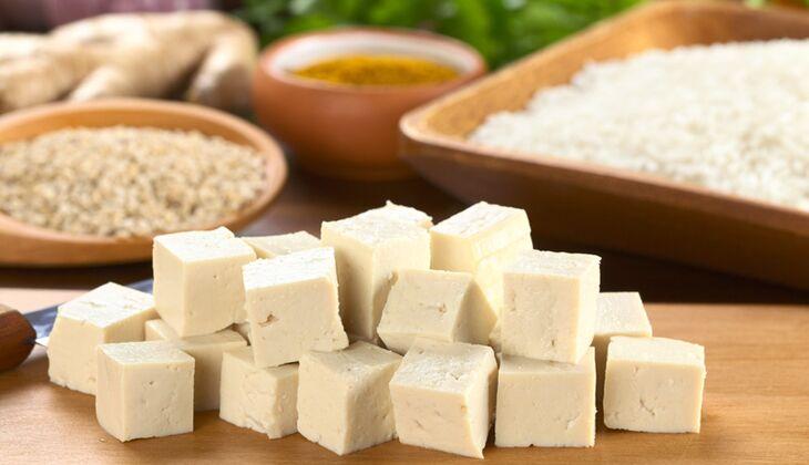 Tofu ist ein vielseitiger Fleischersatz für Veganer