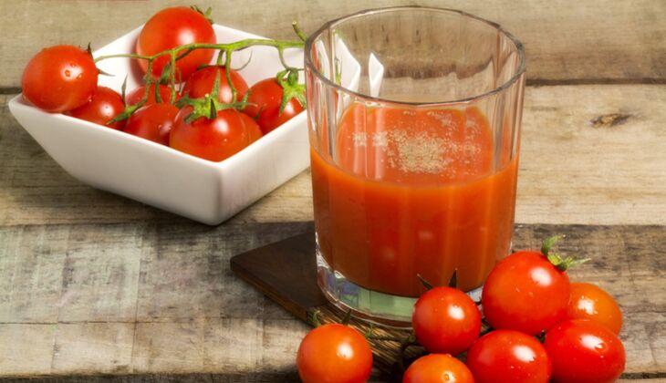 Tomatensaft hilft gegen Kater