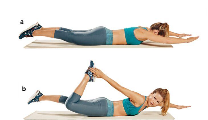 Trainingsplan flacher Bauch: Fußgelenksapplaus