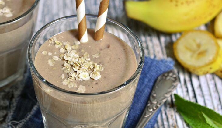 Walnuss-Bananen-Schoko-Proteinshake