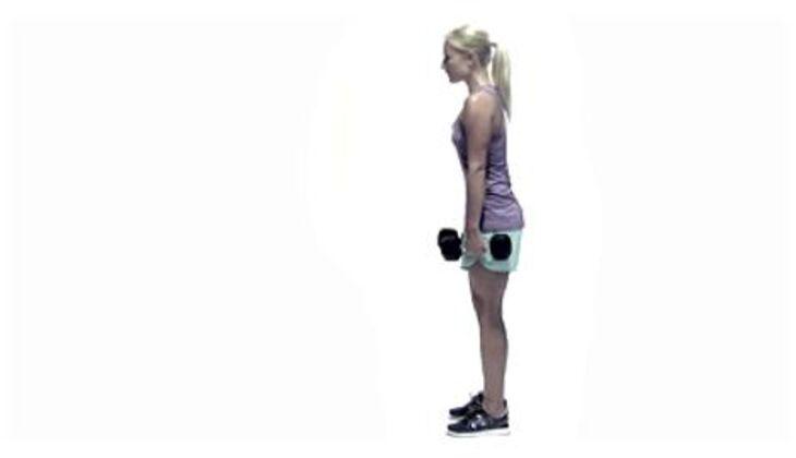 Wintersport-Workout: Kreuzheben mit Kurzhantel