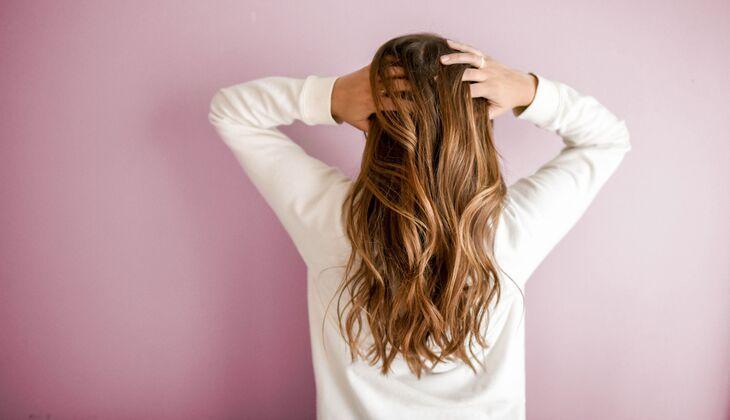 Frisuren Und Pflege Tipps Für Fettige Haare Womenshealthde