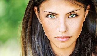 neuer & gebrauchter designer Weg sparen gut Farbige Kontaktlinsen richtig tragen | Women's Health