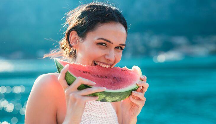 4 Gründe, warum wir jetzt Wassermelone naschen!