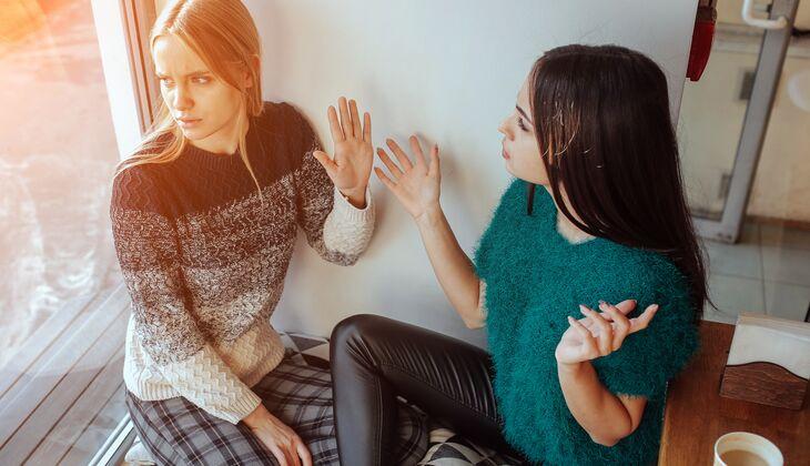 70e4990c368411 Konflikte mit der besten Freundin lösen | Women's Health