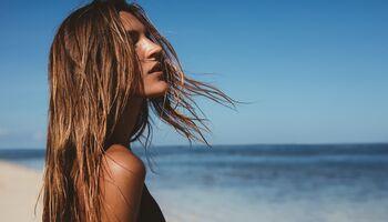Die Besten Sonnensprays Für Die Haare Womens Health